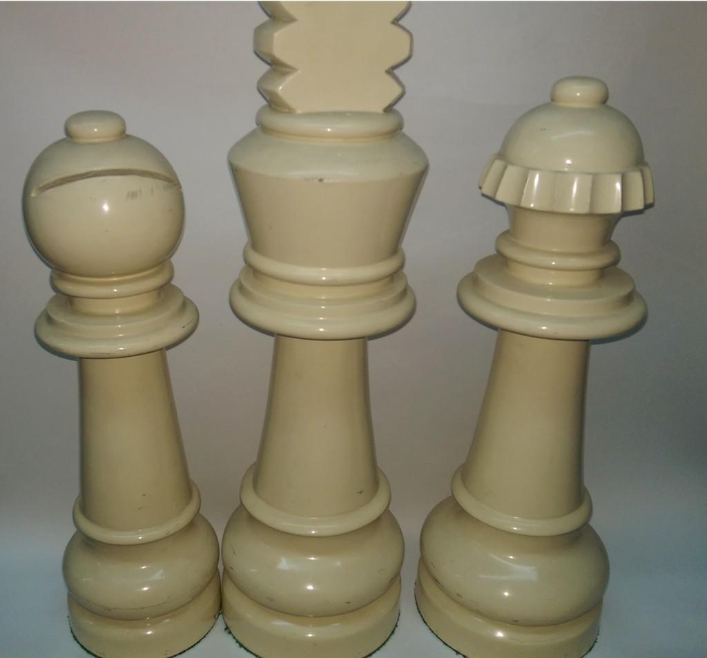 Ajedrez gigante de madera ajedrez creaciones for Ajedrez gigante para jardin